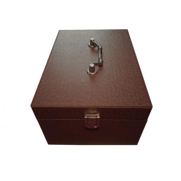 coffret cirage pour l 39 entretien des chaussures tarrago. Black Bedroom Furniture Sets. Home Design Ideas